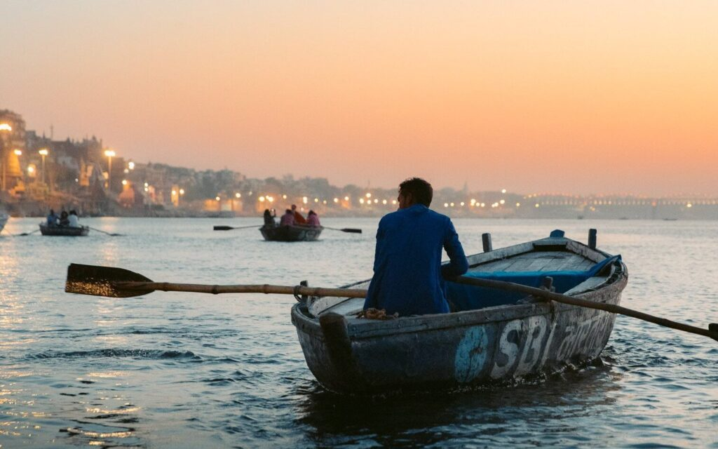 VARANASI GANGES RIVER BOAT TRIP FOR SUNRISE