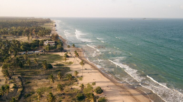 BEACH ON EAST COAST SRI LANKA