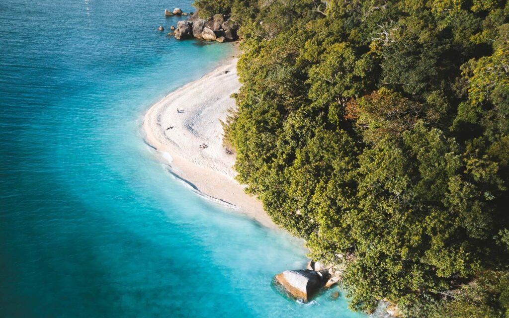 BEST BEACHES IN CAIRNS, FITZROY ISLAND