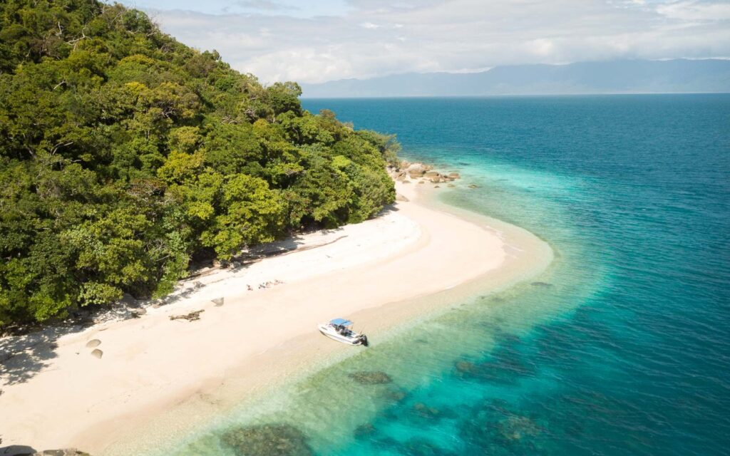 CAIRNS TROPICAL DESTINATION PACKING LIST, WHAT TO PACK FOR CAIRNS