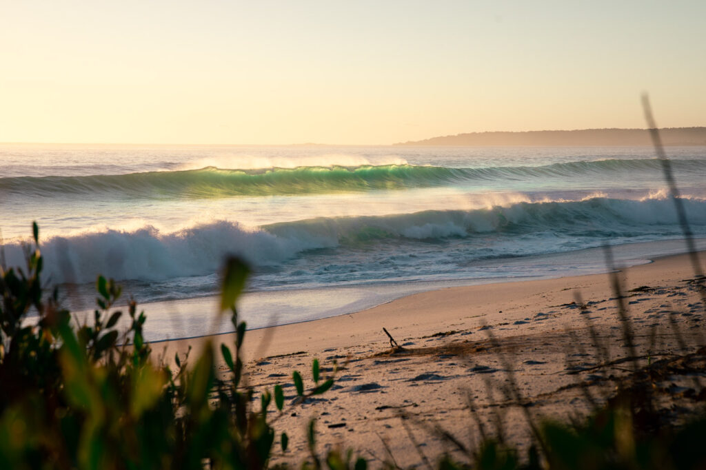 SUNRISE AT THE BAY OF FIRES