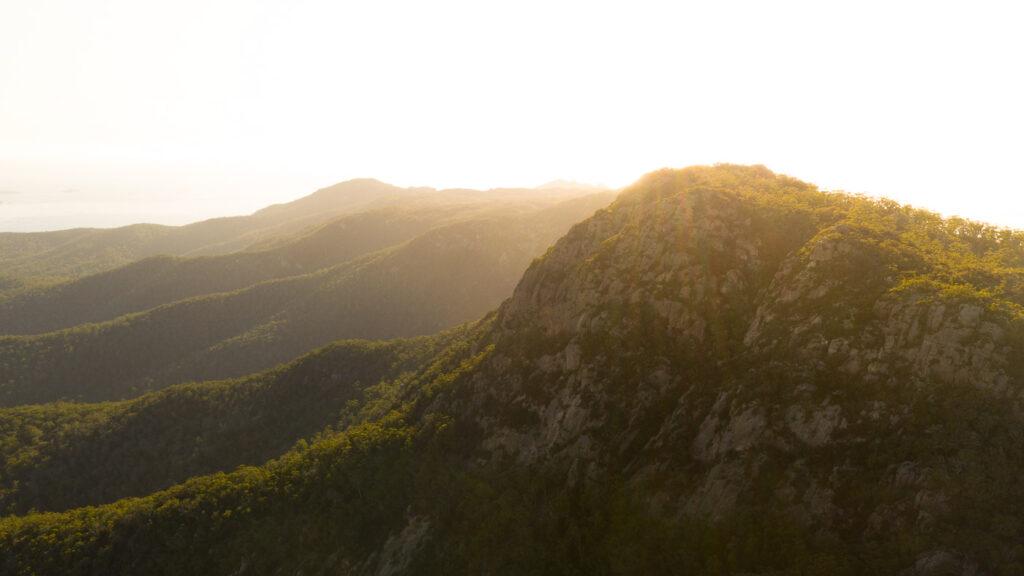 SUNRISE AT MOUNT FREYCINET