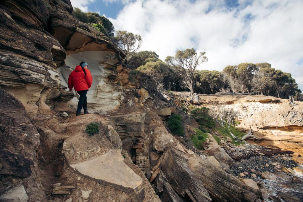 WALKING AROUND TO THE FOSSIL CLIFFS