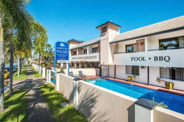 CAIRNS CITY PALMS HOTEL IN CAIRNS