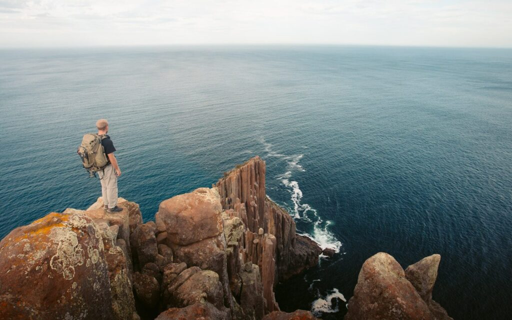 CAPE RAOUL TASMANIA, HIKE AND WALKING GUIDE TO THE LOOKOUT