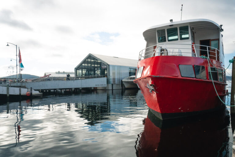 HOBART HARBOUR, THIGNS TO DO AND TOURIST ATTRACTIONS IN TASMANIA