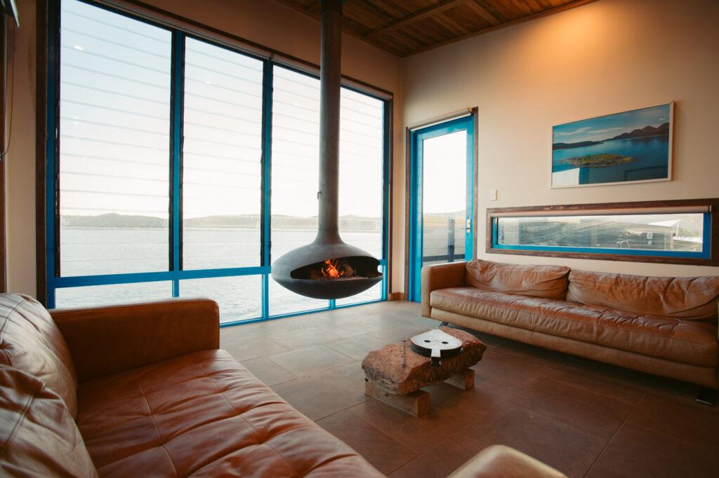 PICNIC ISLAND LIVING ROOM