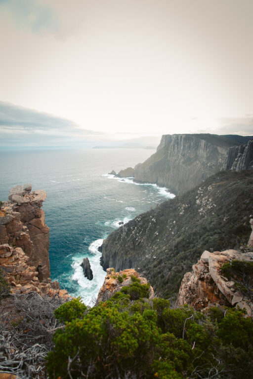 HIKING ON THE THREE CAPES TRACK IN TASMANIA