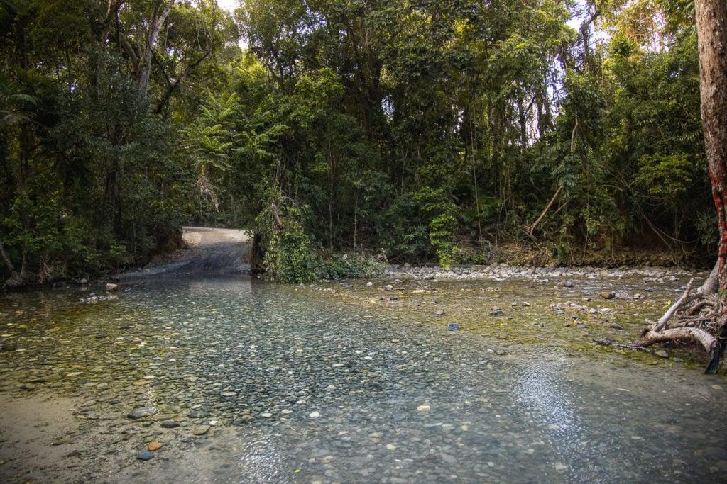 EMMAGEN CREEK RIVER CROSSING, 4WD