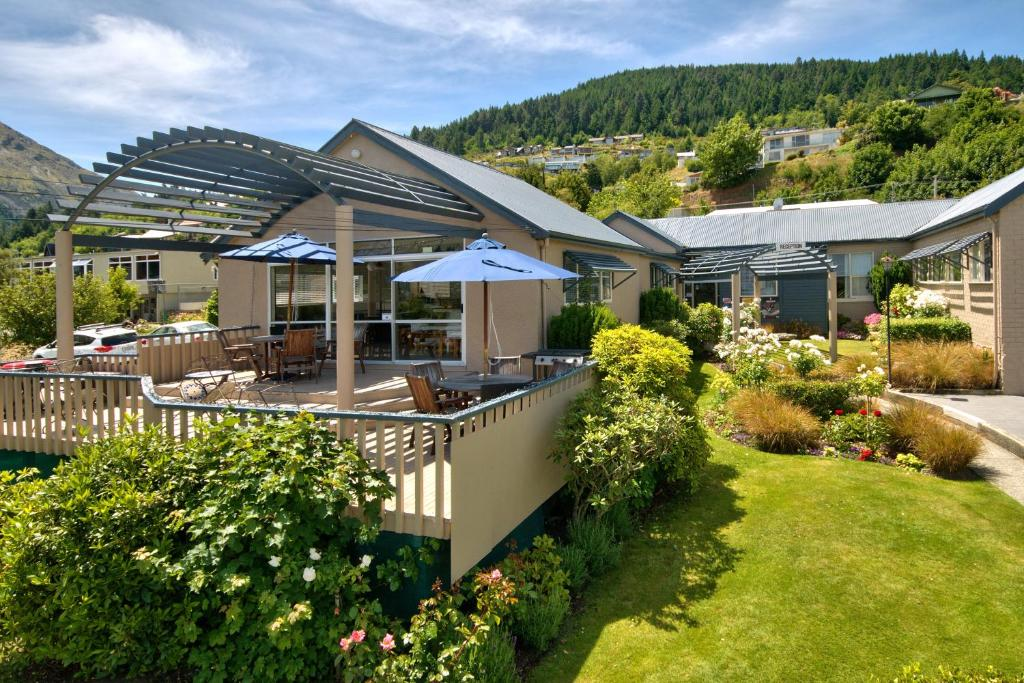 Melbourne Lodge Queenstown New Zealand Accommodation